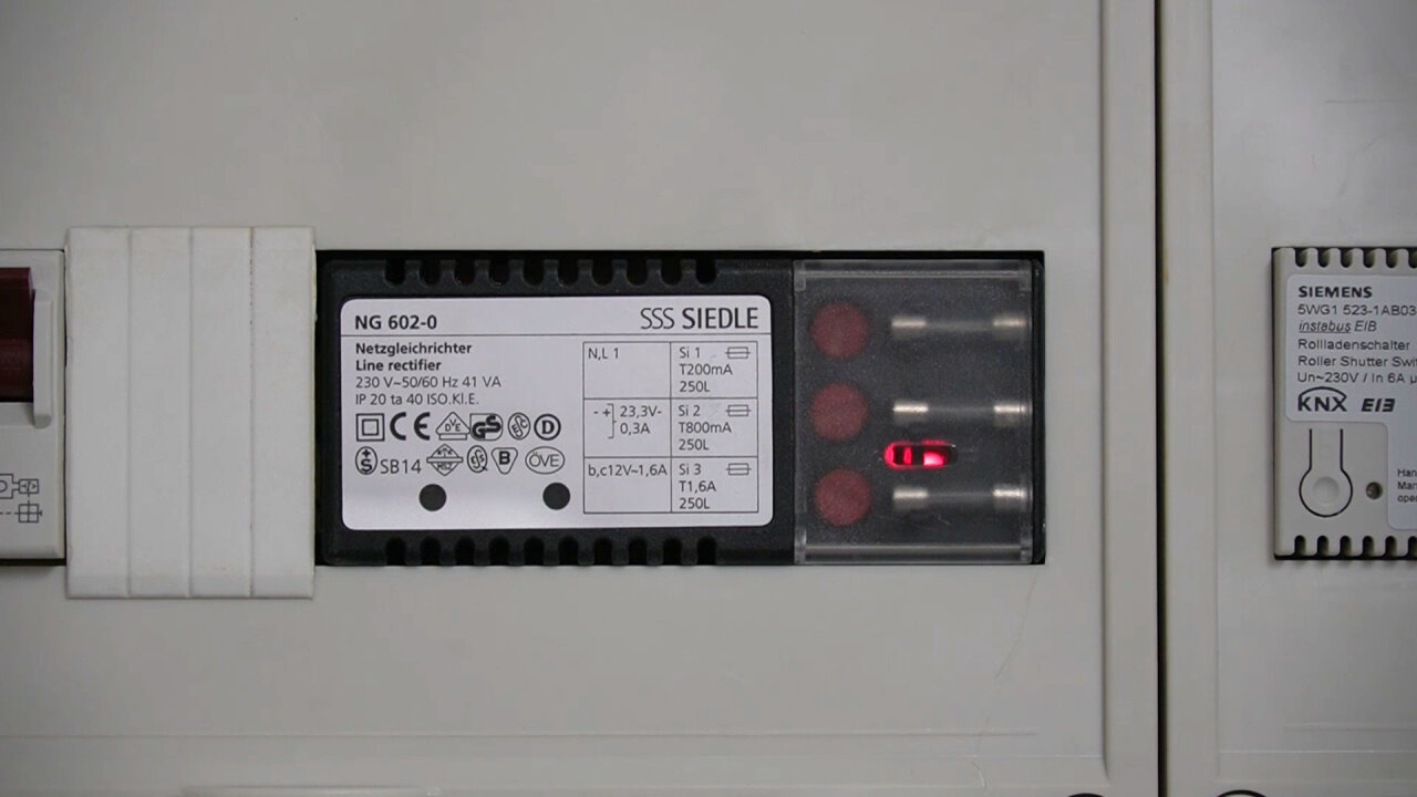 Photo of the Siedle power supply in my fuse box.