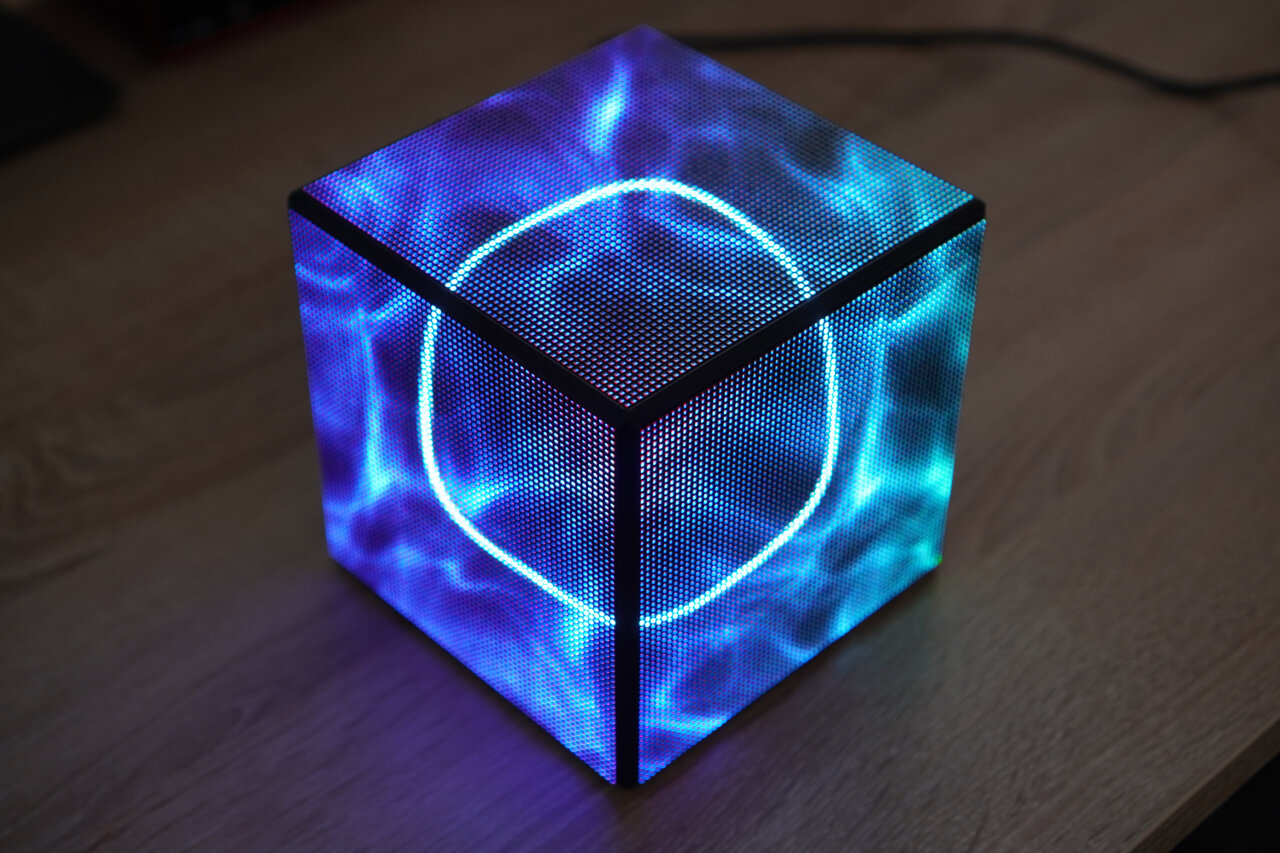 Photo of the LED cube in idle state.